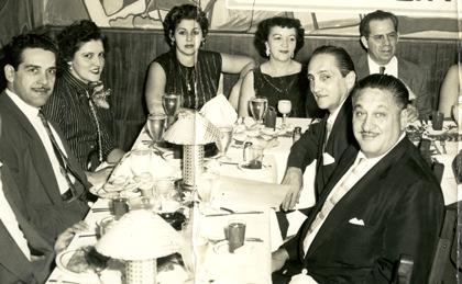 Cubaner vid ett middagsbord